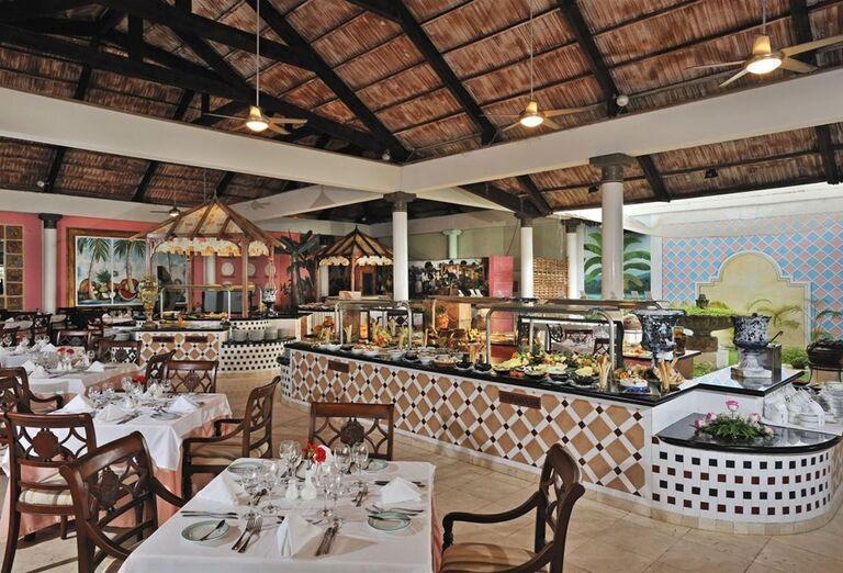 Chutné švédske stoly v hoteli Paradisus Varadero