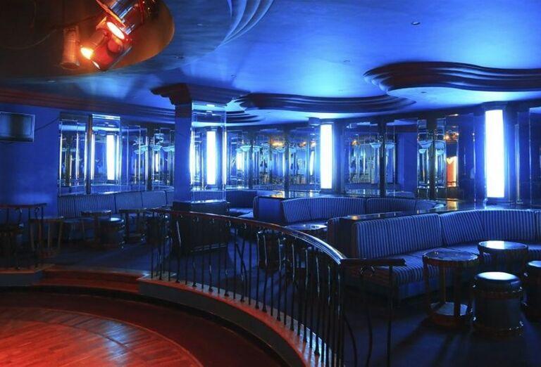 Večerné posedenie v bare hotela Labranda Royal Makadi