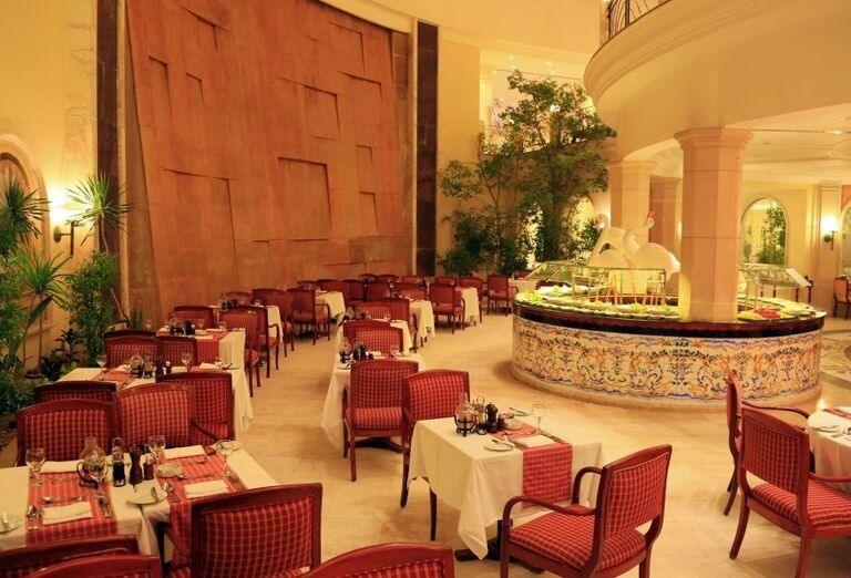 Chutné švédske stoly v hoteli Labranda Royal Makadi