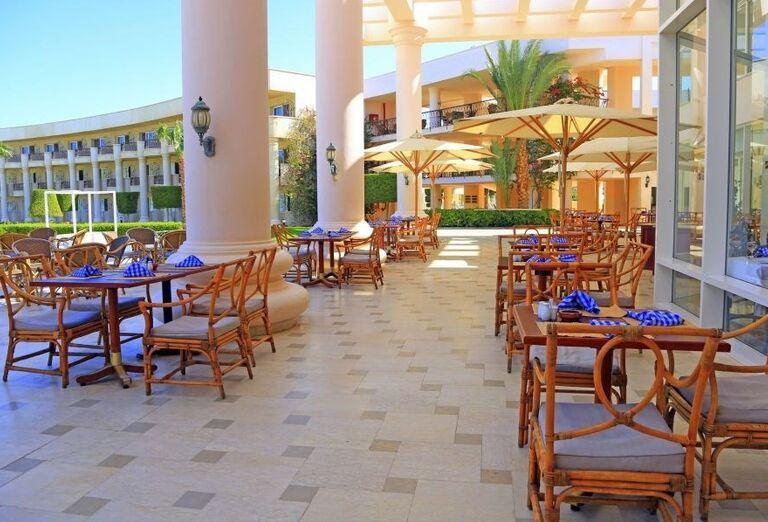 Vonkajšia terasa hotela Labranda Royal Makadi