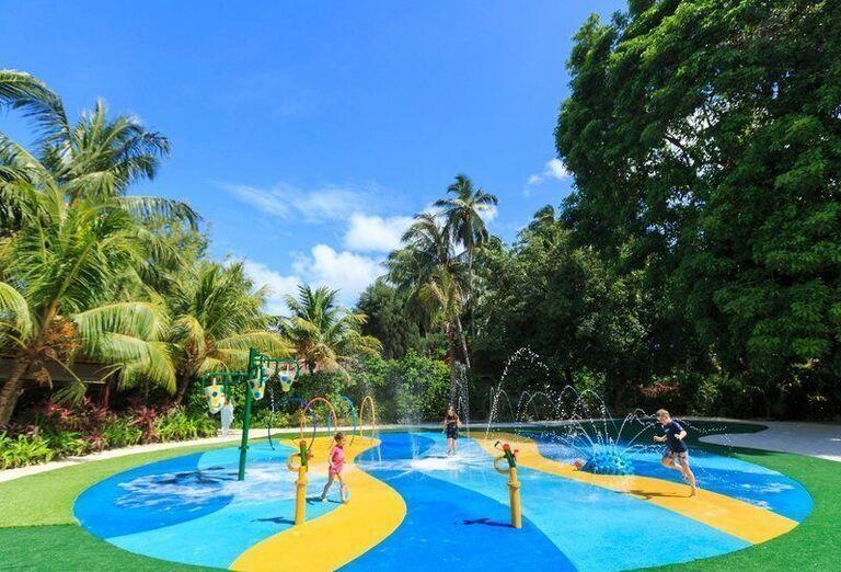 Hotel Kurumba Maldives ***** P