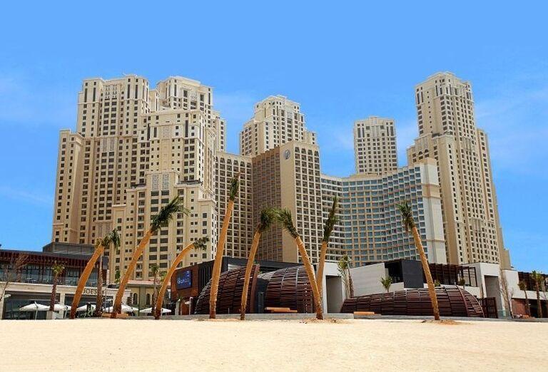 Pohľad  na hotel Amwaj Rotana Jumeirah Beach Residence