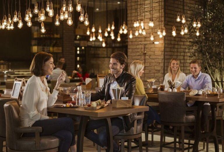 Večera v reštaurácii hotela Amwaj Rotana Jumeirah Beach Residence