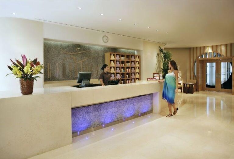 Recepcia vo wellnes centre hotela Amwaj Rotana Jumeirah Beach Residence