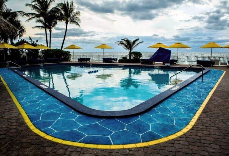 Ocean Sky & Resort - hotelový bazén