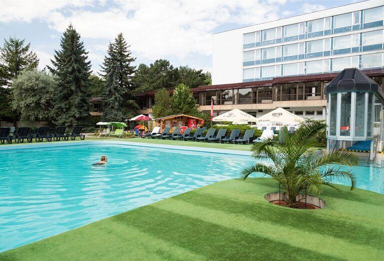 Bazén v kúpeľnom hoteli Spa Hotel Grand