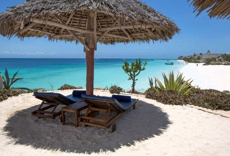 Lehátka pri pláži hotela Royal Zanzibar