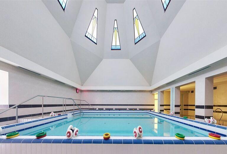 Plavecký bazén v hoteli Danubius Health Spa Resort krídlo Palace
