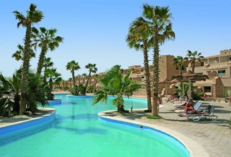 Bazén v hoteli  Citadel Azur