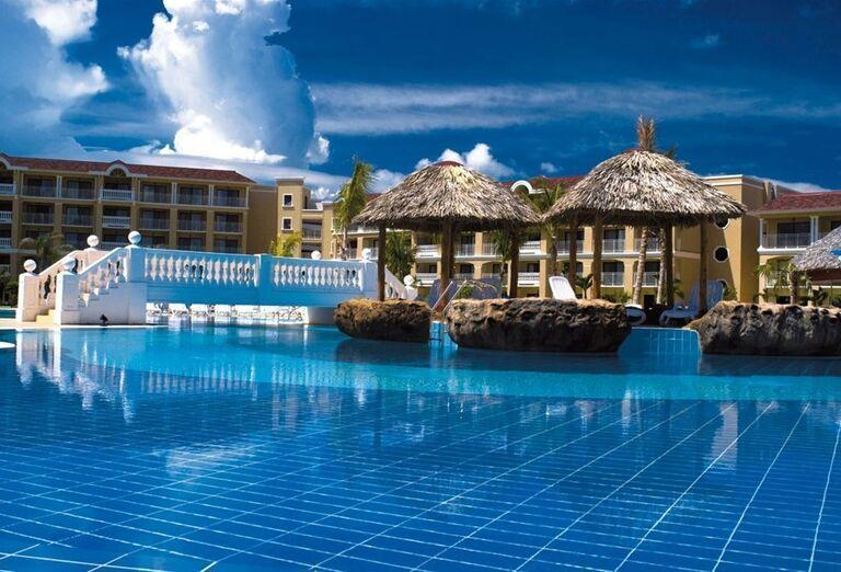 Bazén v hoteli Iberostar Laguna Azul