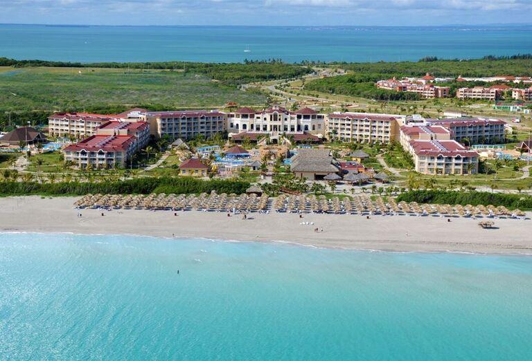 Pohľad na hotel Iberostar Laguna Azul