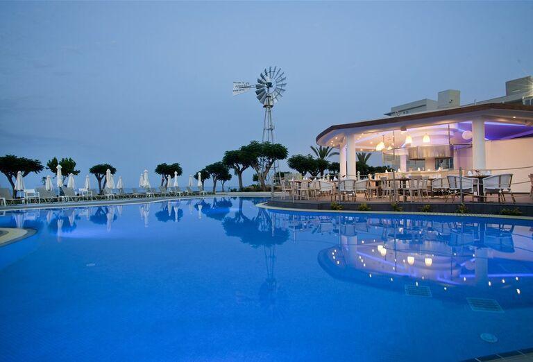 Ostatné Hotel Pernera Beach ****+