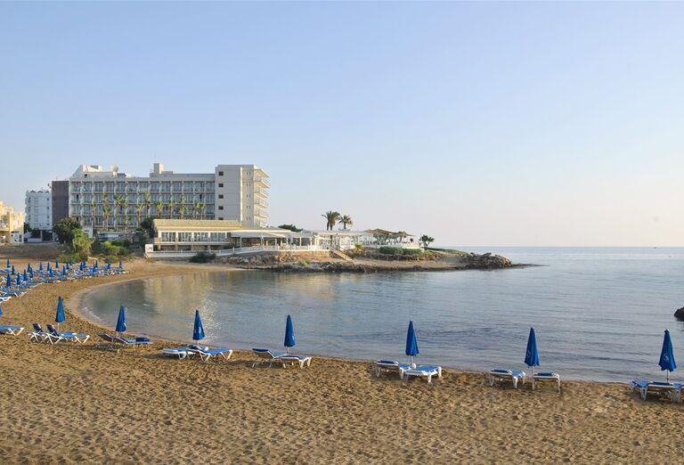 Pláž Hotel Pernera Beach ****+