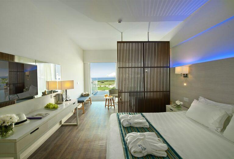 Ubytovanie Hotel Pernera Beach ****+