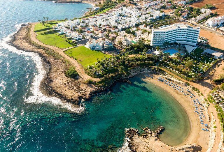 Pláž Hotel Crystal Springs Beach ****+