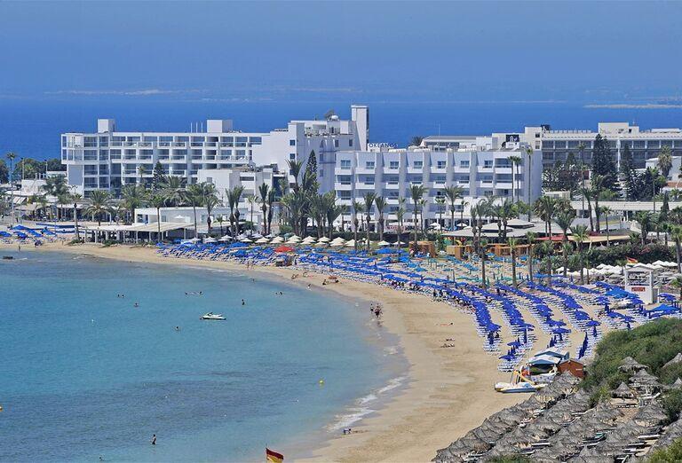 Pláž Hotel Okeanos Beach ****