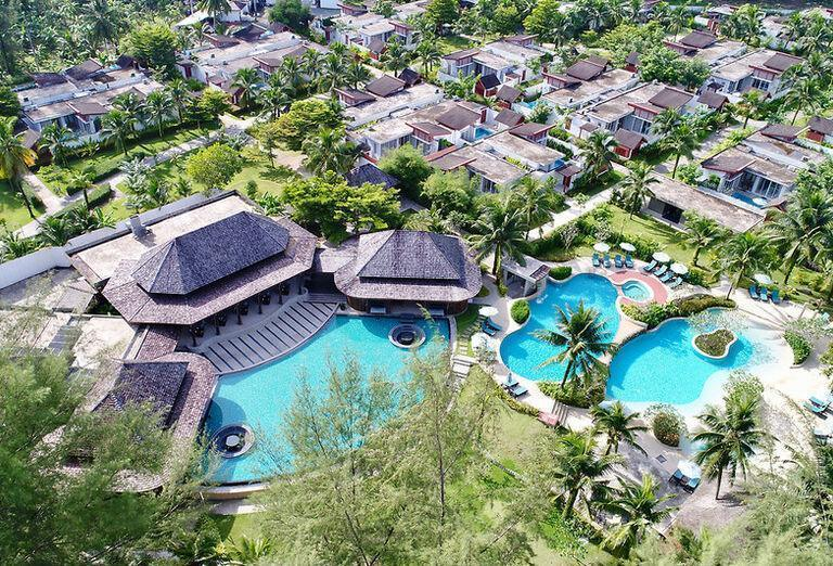 HOTEL APSARA BEACHFRONT RESORT AND VILLA ****+ P