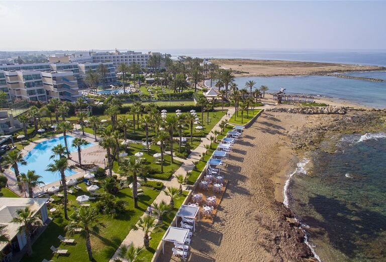 Pláž Aquamare Beach Hotel & Spa ****
