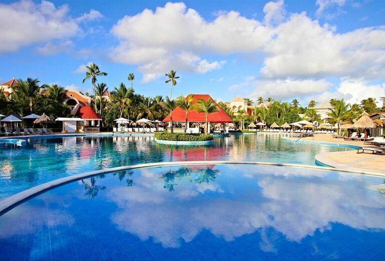 Bazén hotela Luxury Bahia Principe Ambar