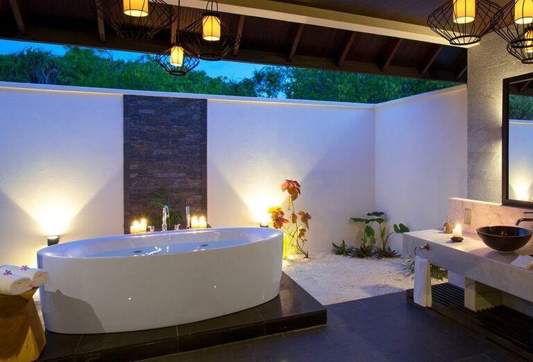 Kúpeľňa hotela Atmosphere Kanifushi Maldives