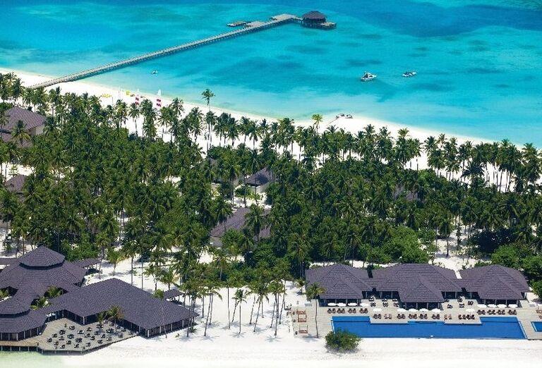 Pohľad z výšky na hotel Atmosphere Kanifushi Maldives