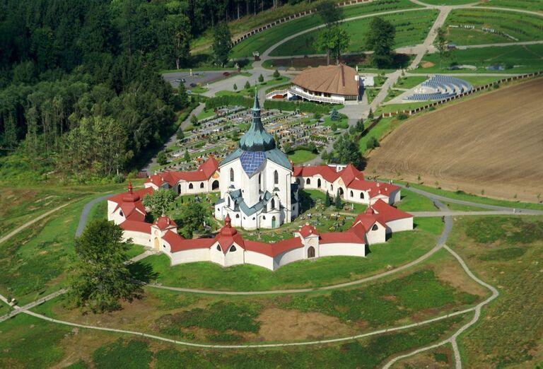 Kostol sv. Jána Nepomuckého na Zelenej hore, zámok Velké Meziříčí, poznávací zájazd