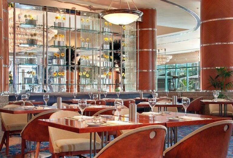Hotel Hilton Dubai Jumeirah Beach - Stolovanie v reštaurácii