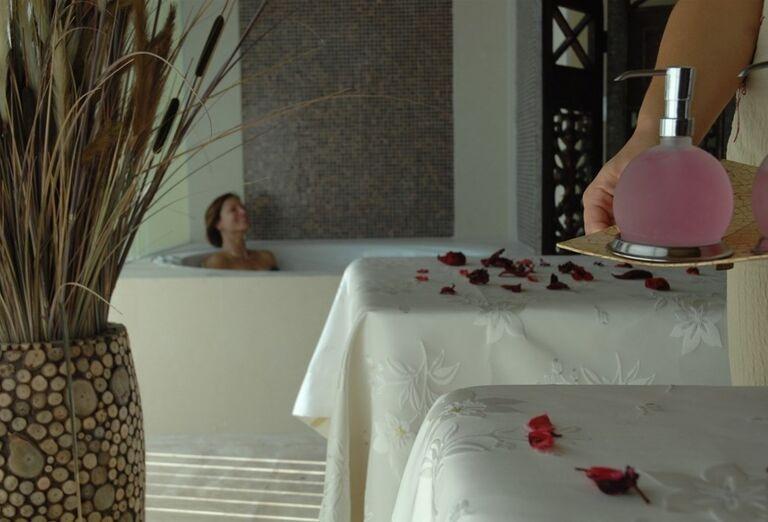 Vnútorná vírivka hotela Rixos Bab Al Bahr