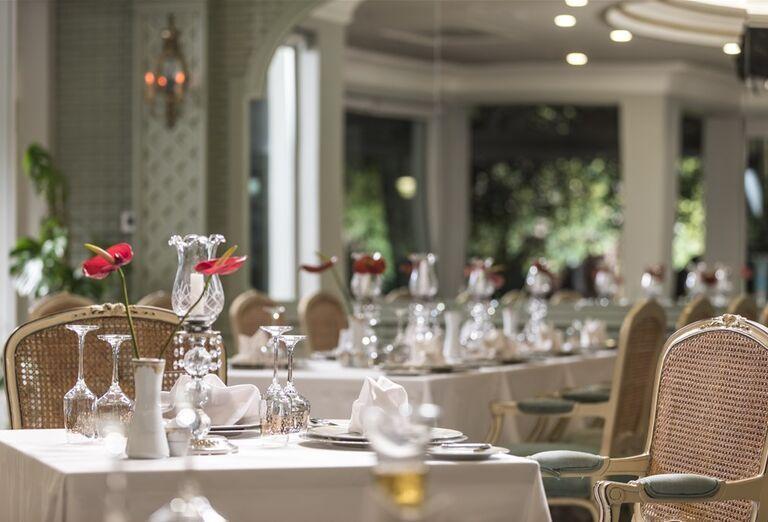Stolovanie v hoteli Abaton Island Resort & Spa