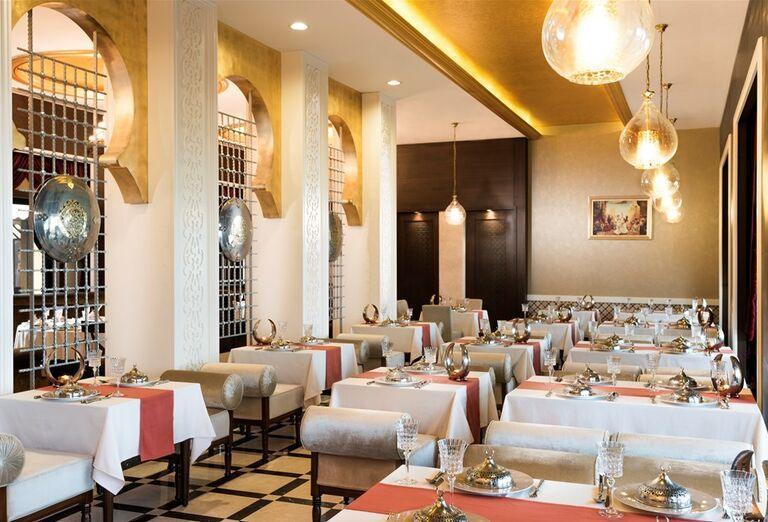 Stolovanie v hoteli Rixos Bab Al Bahr