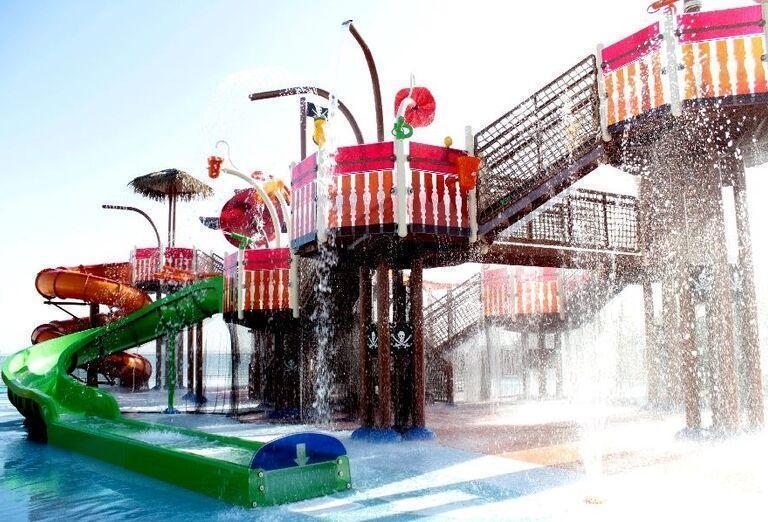 Vodný svet pre deti v hoteli Doubletree by Hilton Resort & Spa Marjan Island