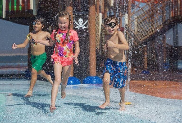 Deti tešiace sa z vody