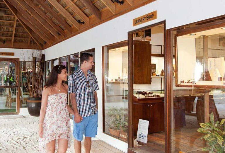 HOTEL MEERU ISLAND RESORT ****+ PE
