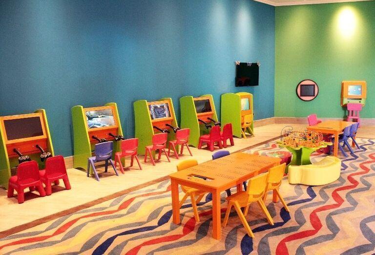 Hracie konzoly v hoteli Doubletree by Hilton Resort & Spa Marjan Island