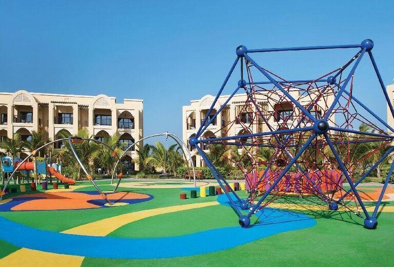 Vonkajšie atrakcie pre deti hotela Doubletree by Hilton Resort & Spa Marjan Island