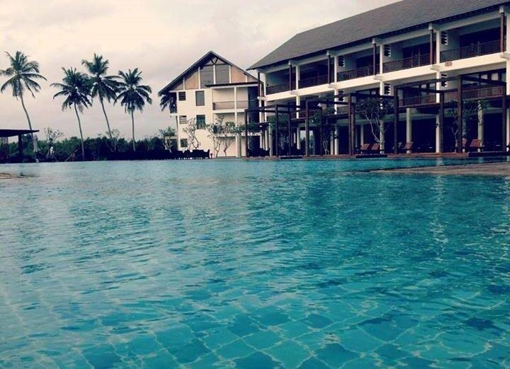 Bazén v hoteli Suriya Luxury Resort