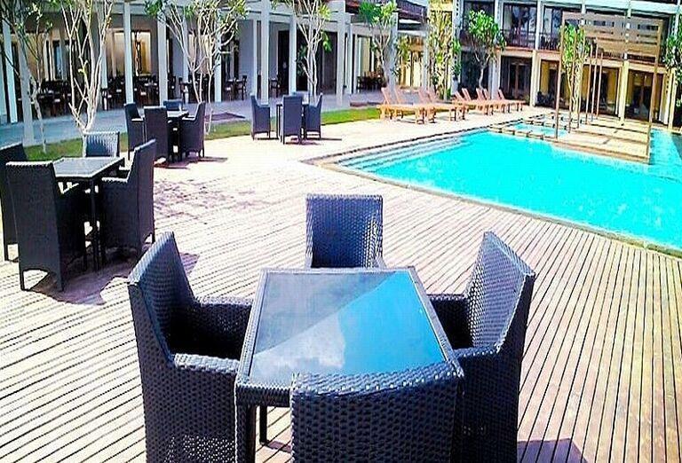 Posedenie pri hoteli Suriya Luxury Resort
