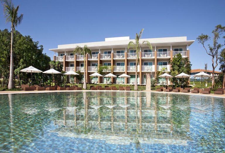 Pohľad od bazéna na hotel Ocean Vista Azul by H10