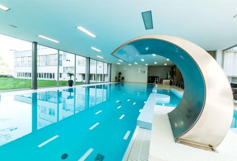 Vnútorný bazén v hoteli Park
