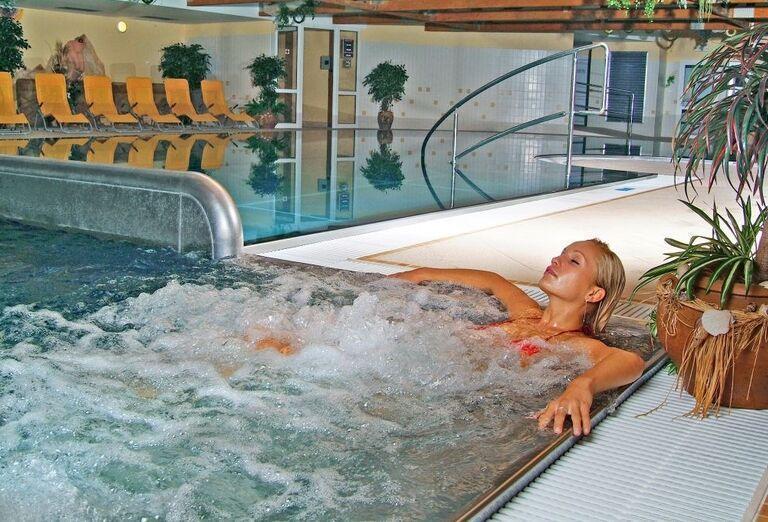 Sedací bazén, Hotel Flóra, Trenčianske Teplice