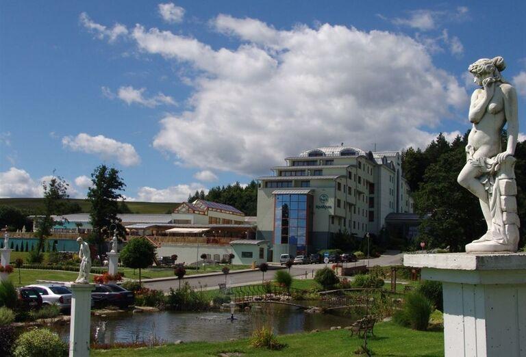 Exteriér, Hotel Kaskády, Sliač