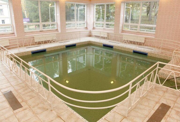 Vnútorný bazén v kúpeľnom hoteli Palace