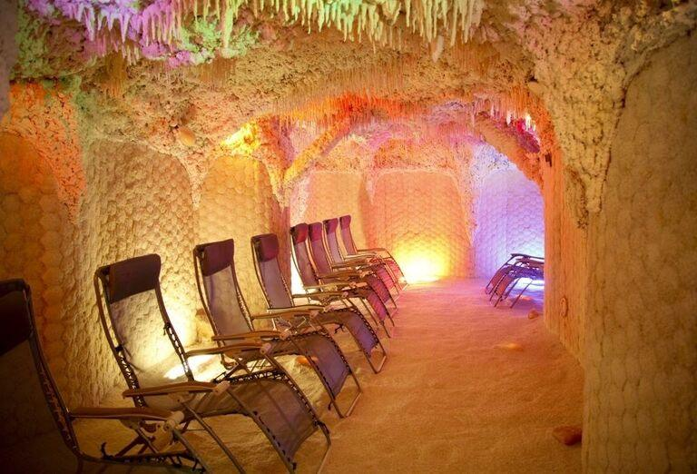Posedenie v soľnej jaskyni