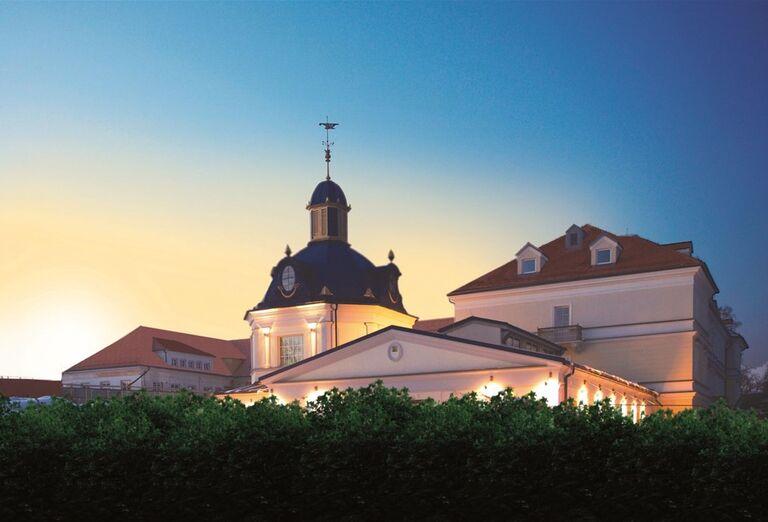Pohľad na hotel Royal Palace