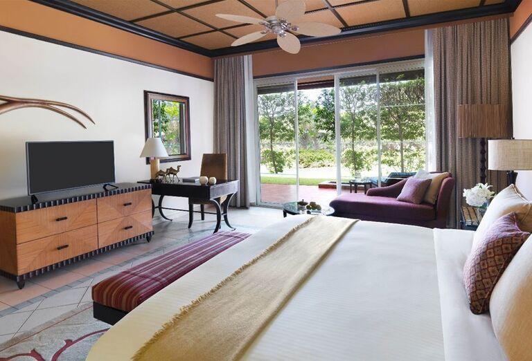Izba s priamym prístupom do záhrady v hoteli Waldorf Astoria Dubai Palm Jumeirah