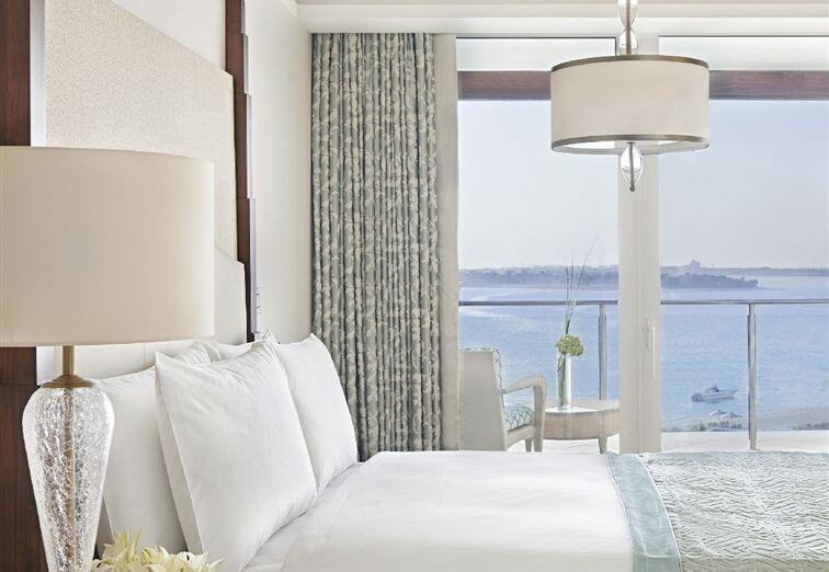 Izba s výhľadom na more v hoteli Waldorf Astoria Dubai Palm Jumeirah
