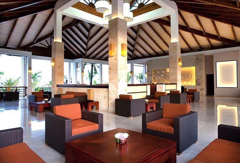 Posedenie v interiéri hotela Royalton Cayo Santa María