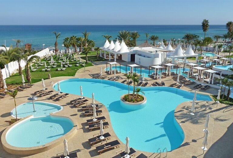 Komplex bazénov v hoteli Sunrise Pearl Resort Spa