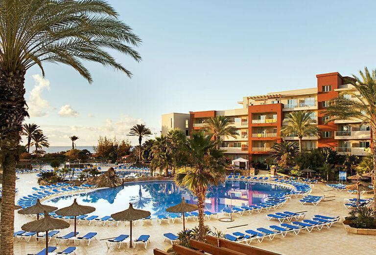 Elba Carlota Beach & Convention Resort P