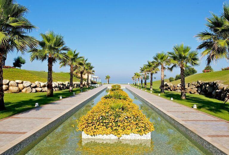 Areál hotela Capovaticano Resort Thalasso & Spa